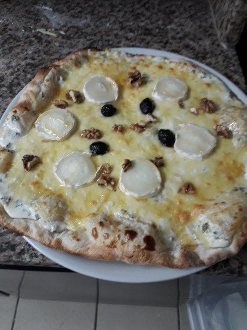 Foto von einer Pizza